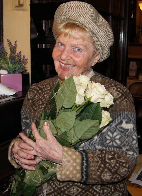 Zentai Anna